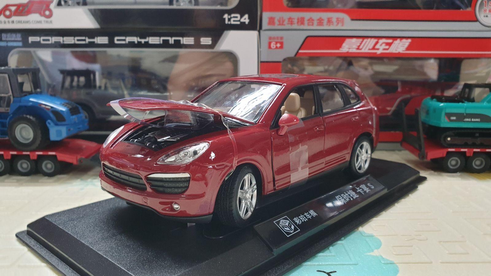 Mô Hình Xe Porsche Cayenne 1:24 Màu Đỏ Mận