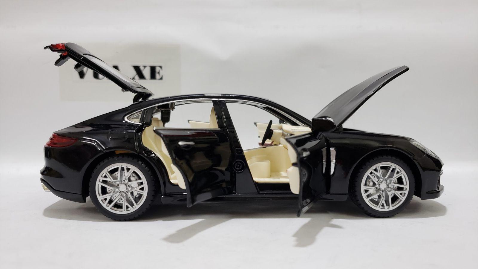 Mô Hình Xe Porsche Panamera 1:24 Màu Đen