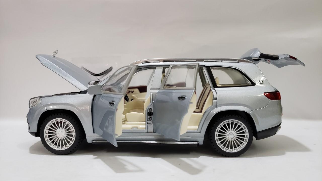 Hình Xe Mercedes Maybach GLS 600 1:24 Màu Xanh